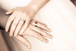 Gyűrű kisokos – melyik ujjon milyen gyűrűt viseljünk?