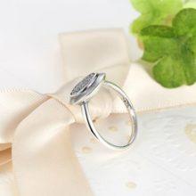Ezüst gyűrű apró kristályokkal, 8-as méret (Pandora stílus)
