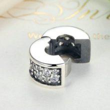 Ezüst gyöngy charm kristálykövekkel –  Pandora stílus