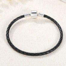 Fonott karkötő, bőr, fekete, ezüst kapoccsal, 18 cm