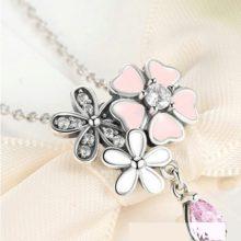Ezüst nyaklánc cseresznyevirággal, ezüst – rózsaszín (Pandora stílus)