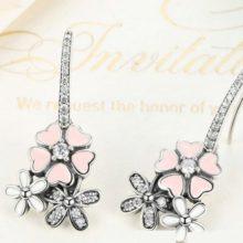 Ezüst cseresznyevirág fülbevaló strasszos akasztóval, rózsaszín (Pandora stílus)
