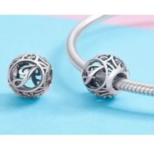 Ezüst J betű charm kristályokkal –  Pandora stílus