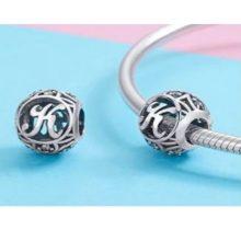 Ezüst K betű charm kristályokkal –  Pandora stílus