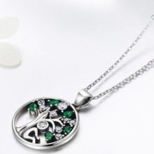 Ezüst nyaklánc zöld életfával (Pandora stílus)