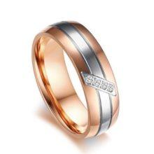 Női jegygyűrű, karikagyűrű ezüst csíkkal, rozsdamentes acél, arany színű, 7-es méret