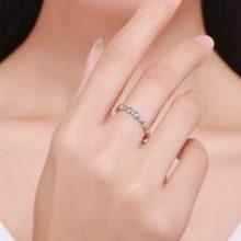 Ezüst gyűrű kristályokkal, fehér, 8-as méret (Pandora stílus)