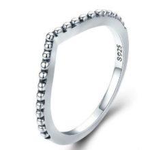 Ezüst gyűrű kristályokkal, csepp alakú, 8-as méret (Pandora stílus)