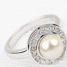 Gyöngyös gyűrű, Swarovski kristállyal díszített, 6,5