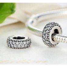 Ezüst gyűrű charm, kristálykövekkel díszítve, fehér –  Pandora stílus
