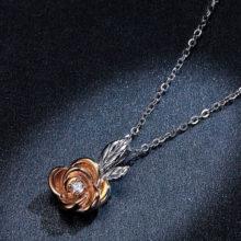 Ezüst nyaklánc rózsa medállal, rosegold