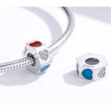 Ezüst charm, háromszínű gyöngy