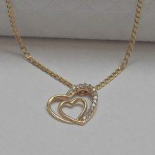 14K arany szív alakú medál kristályokkal